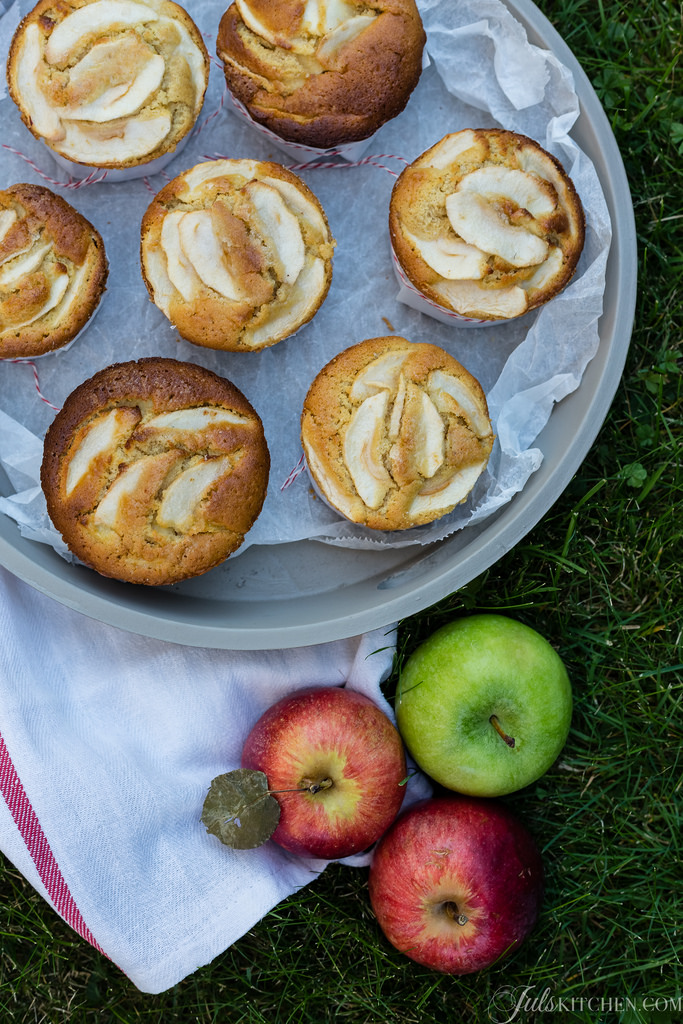 Tiny Apple Cakes For The Weekend. Your House Will Smell Of Orange, Butter And Cointreau.
