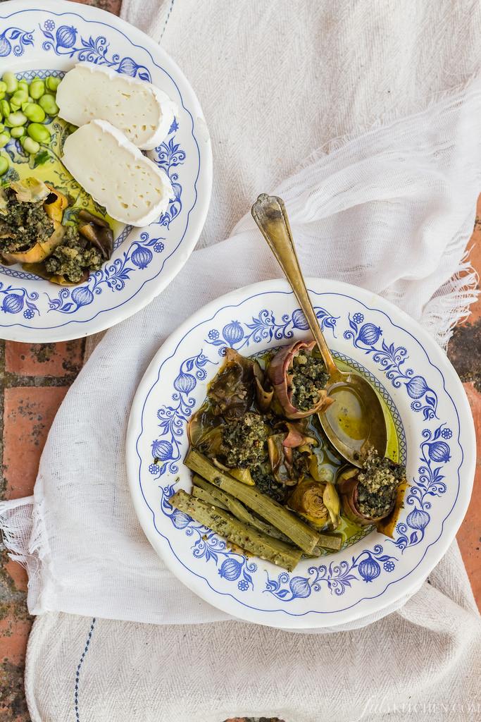How To Clean An Artichoke And Cook It Like A Tuscan: Carciofi Ritti