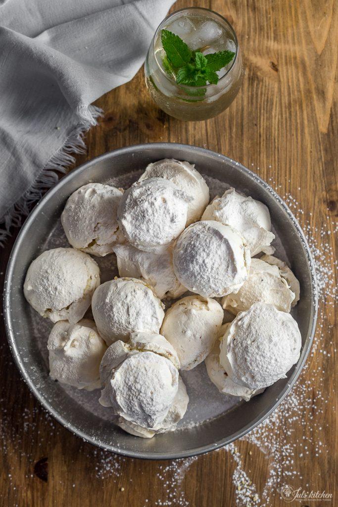 Elderflower meringues