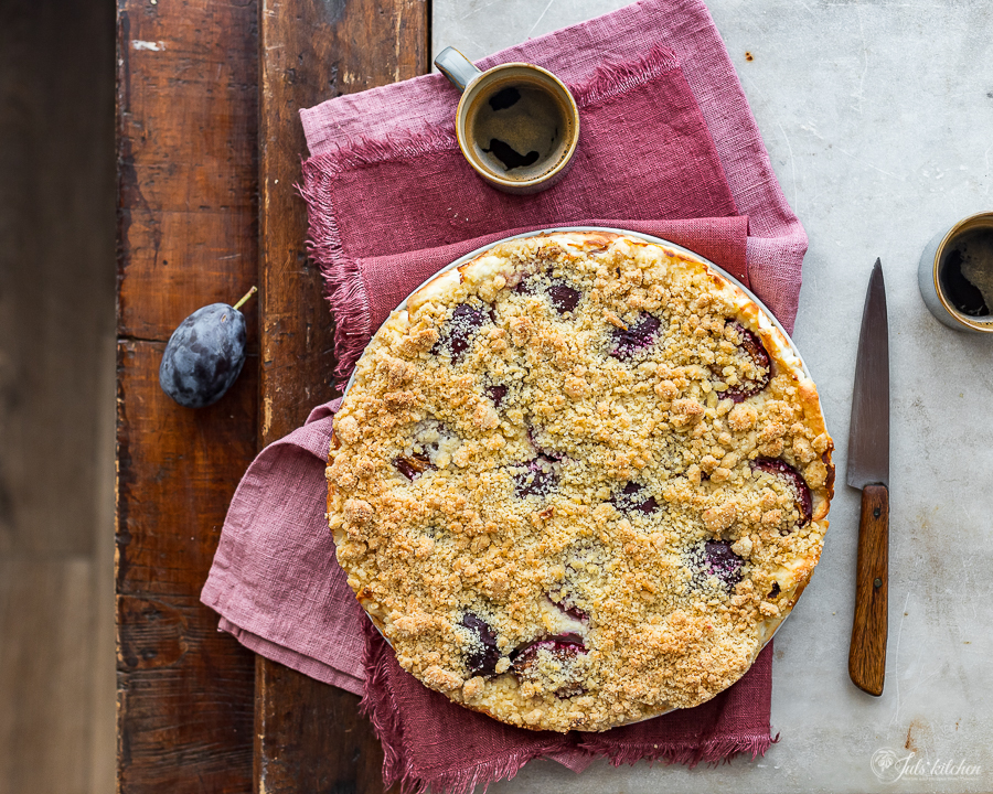 Ricotta crumb cake