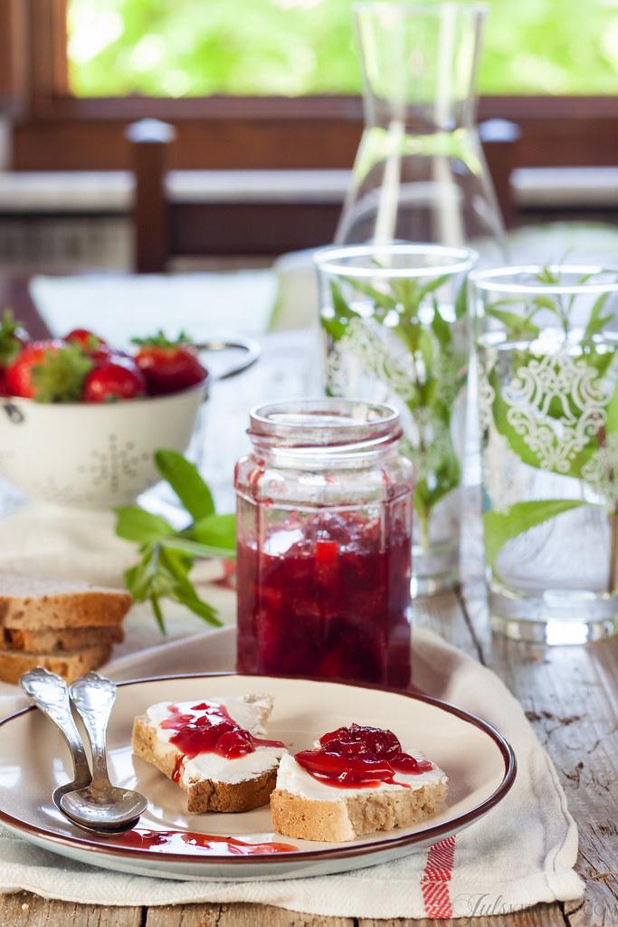 Strawberry and lemon jam
